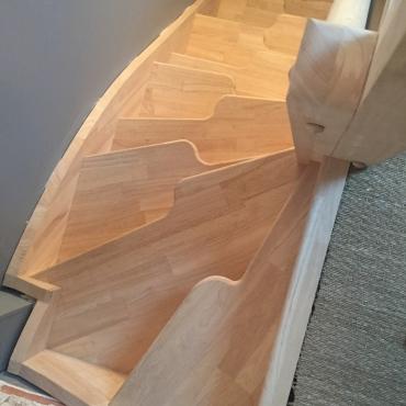 d couvrez quels sont les escaliers tendances en 2017. Black Bedroom Furniture Sets. Home Design Ideas